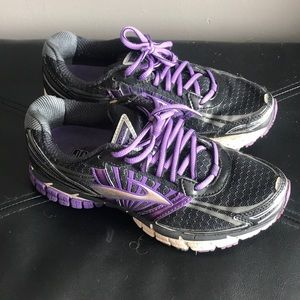 Brooks Running Sneakers size 7
